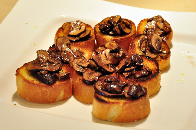 Crostini with Balsamic Portabella Mushrooms